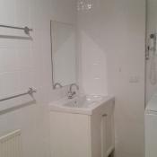 apt26-2nd-bathroom-with-ldry-near-kitchen